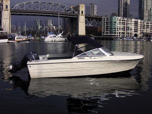 17ft hourson glasscraft rental boat near Burrard Bridge