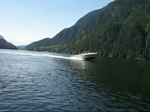 17ft rental boat on the water