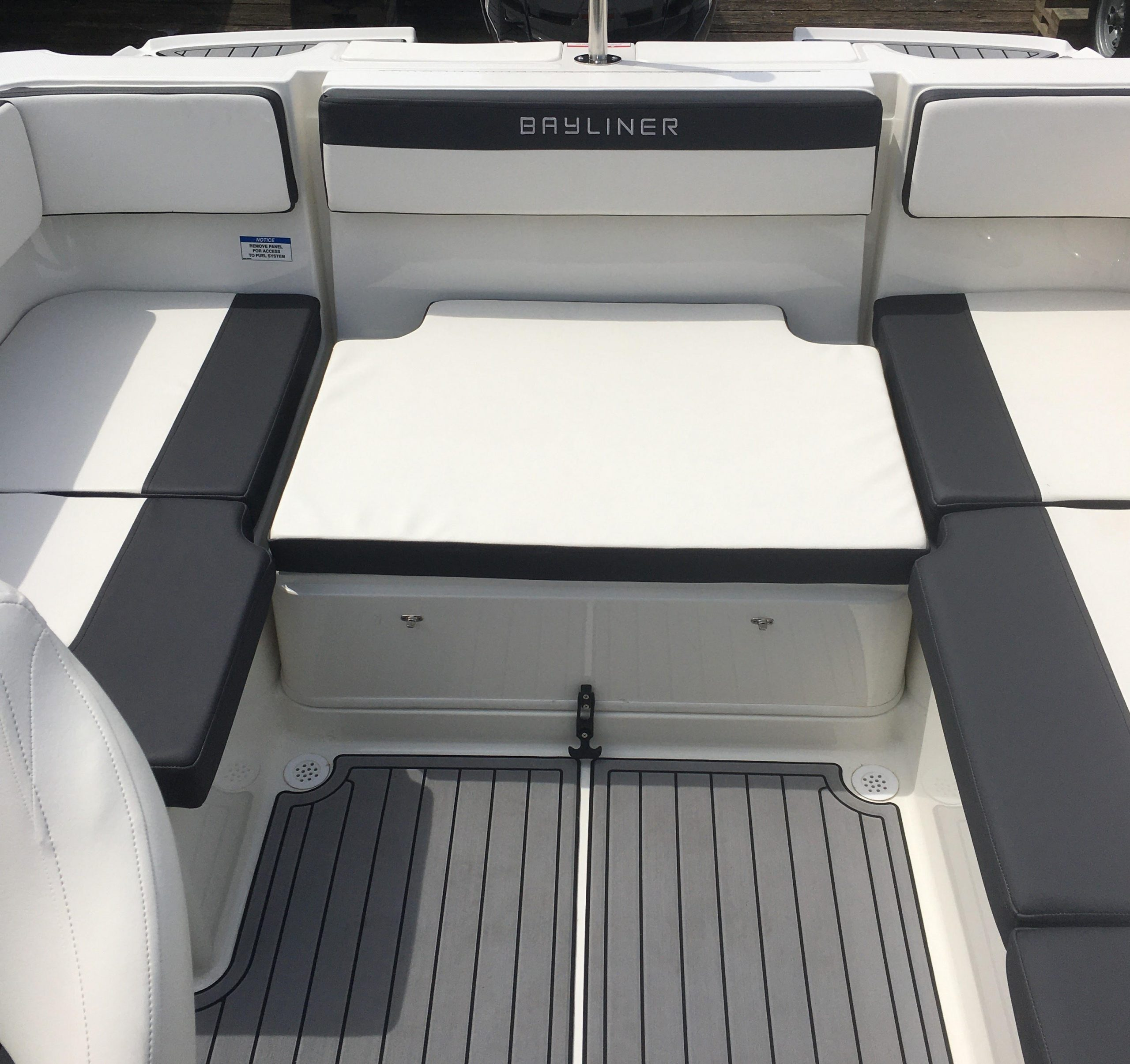 VR4-Sport Interior